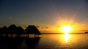 Sunrise_over_Paraoro,_Mo'orea,_French_Polynesia,_28_June,_2012