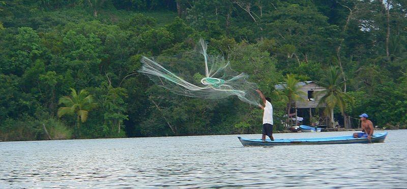 rio dulce viaje pescador