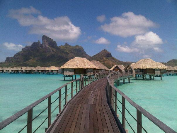 Four_Seasons_Resort_Bora_Bora