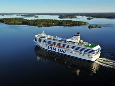 Estocolmo-–-ferry-nocturno-a-Helsinki